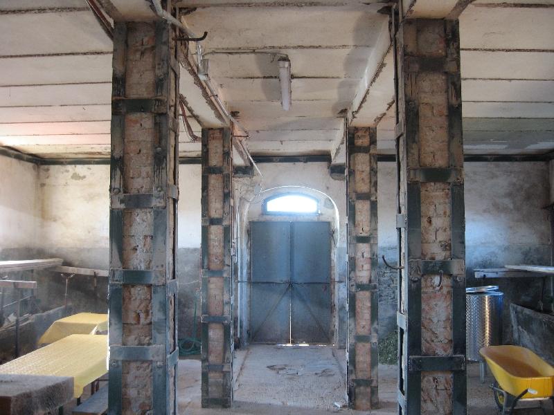 Constru ingegneria sisma umbria 2009 riparazione dei danni e rafforzamento locale - Apertura porta su muro portante ...